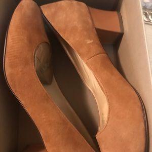 COLE HAAN CHELSEA  Suede Designer Pumps Heels 11 B